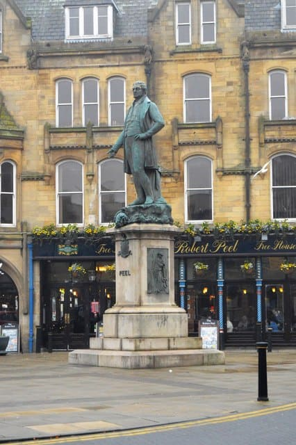 Robert Peel Statue in Bury